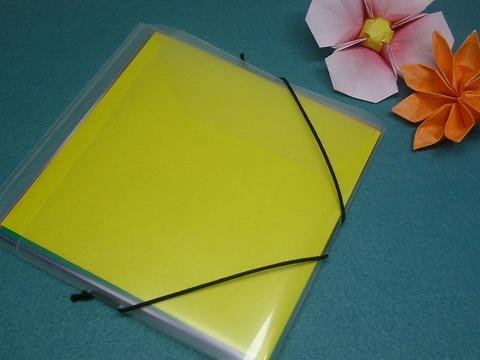 A4クリアホルダーで薄型折り紙ケース