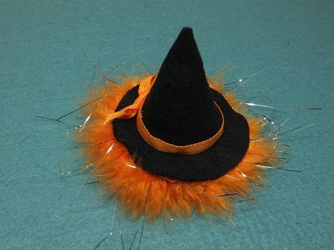 魔女帽子のヘアピン
