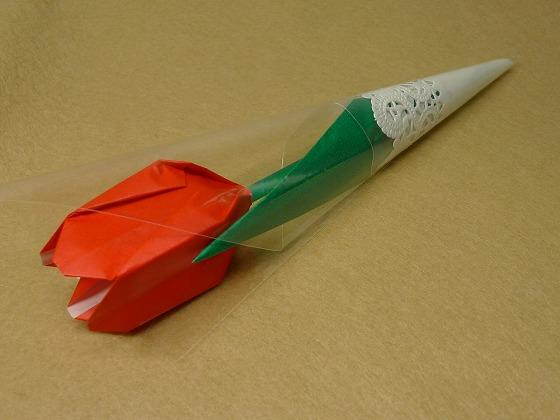 すべての折り紙 折り紙 春 折り方 : チューリップキャンディ完成