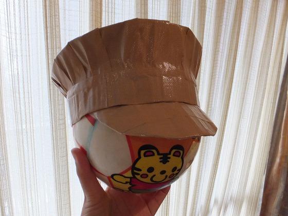 段ボール&テープ帽子